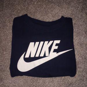 Nike short sleeve navy blue t shirt